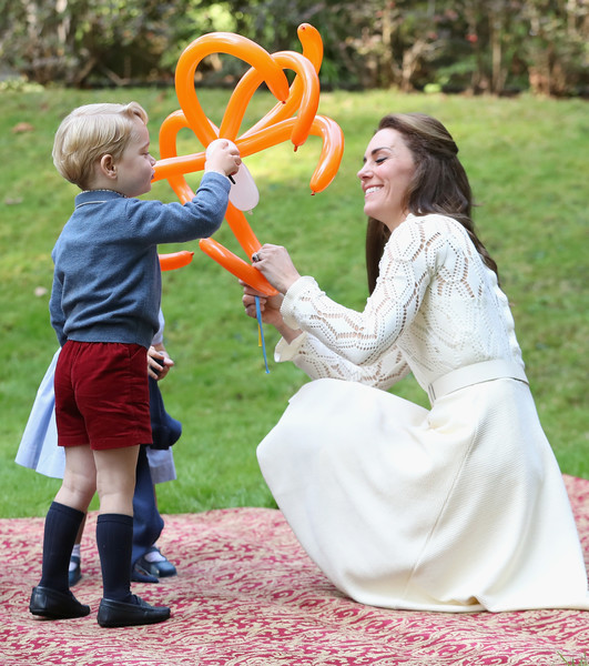 Candid Photos Of Will + Kate Being Great Parents