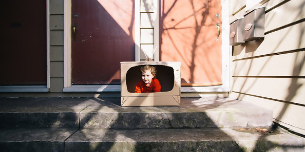 Here's How To Manage TV Time For Kids Age 3 And Under
