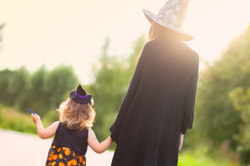 Adorable Mommy & Me Halloween Costumes