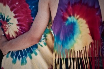 Tie Dye Tips And Projects To Try With Your Kids At Home